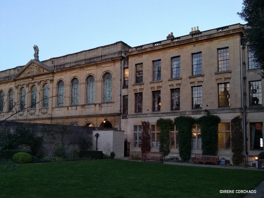 universidad de oxford_queens college